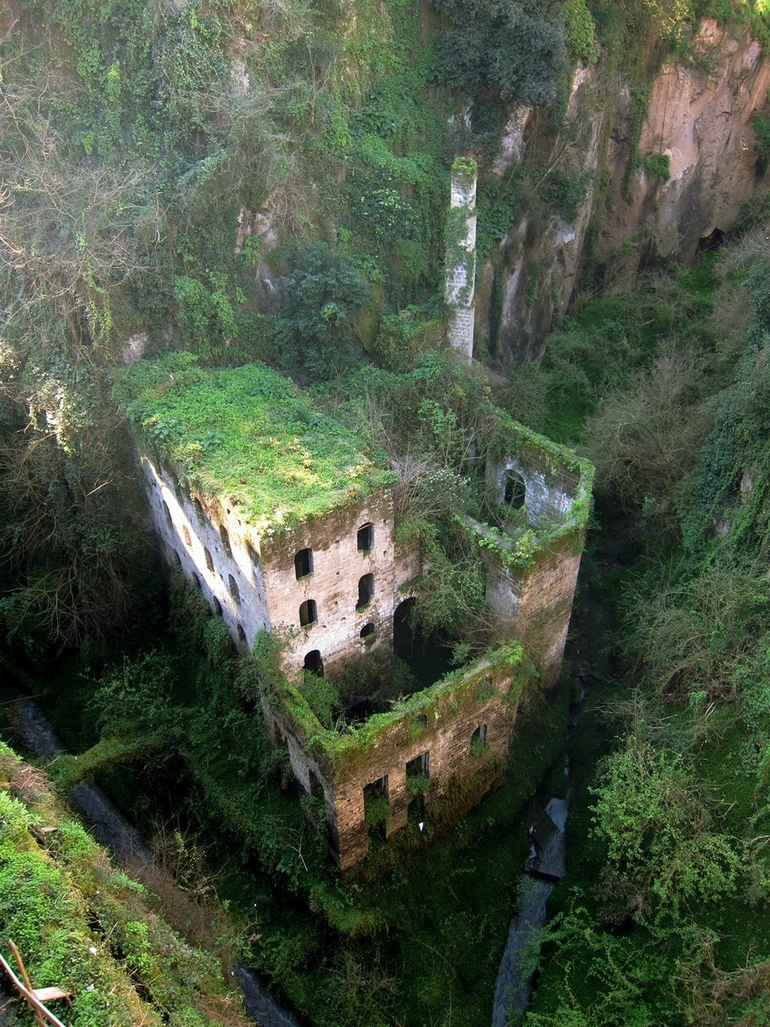 Deshoda most beautiful abandoned places in the world Prettiest places in the world